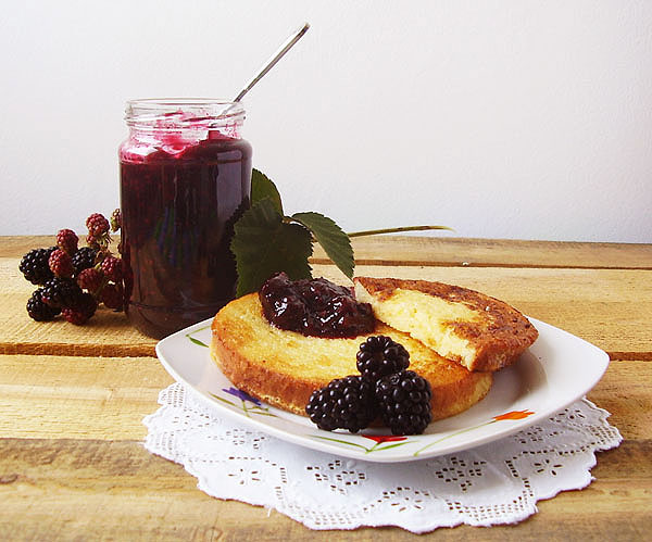 French Toast with Blackberry Jam