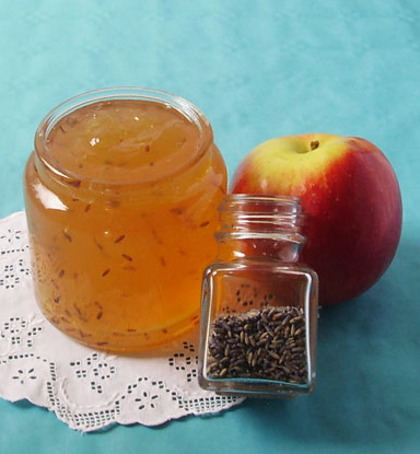 Apple Lavender Jelly is capturing summer beauty into jelly that shall be used later, during the year for muffins and other beauties