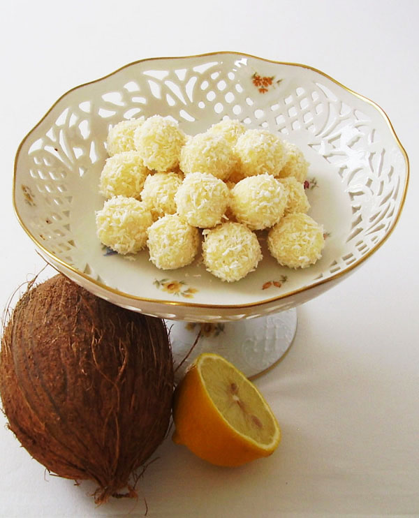 Jamaica No Bake Balls - white chocolate and coconut dessert made in few minutes. Suits every occasion.