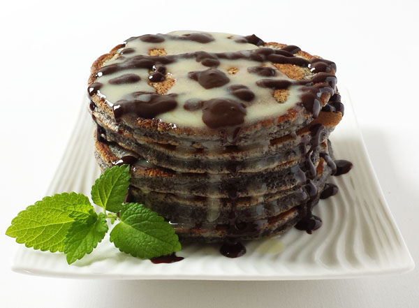 Black Poppy Seed Pancakes: Little Black Dressed – one step to Perfection !