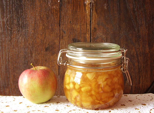 Caramel Apple Jam: Falling into perfect combination of flavors !