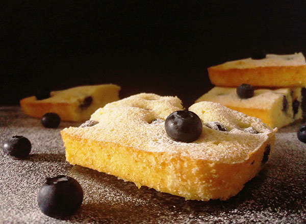 Vintage Blueberry Coffee Cake: more than hundred years old, this recipe survived thanks to its simplicity and amazing flavours !