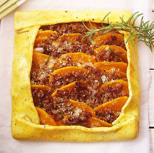 Butternut Squash and Italian Sausage Galette: Amazing autumn flavors.