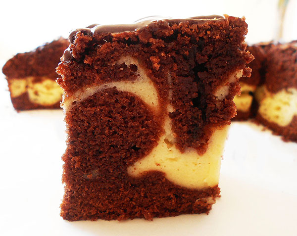 Cheesecake Brownies Marble Squares: Perfect Marble finished with Chocolate Ganache !