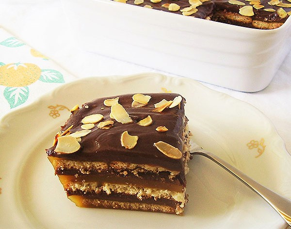 Jaffa Icebox Cake: Perfect fusion of orange, chocolate and butter cookies !