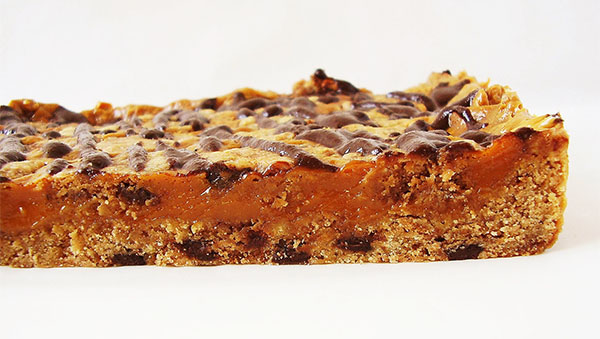 Dulce de Leche Chocolate Chip Cookie Bars: Triple Decker of your dreams !