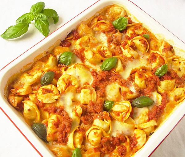 Tortellini al Forno Facile : Tortellini Bake Easy Way.