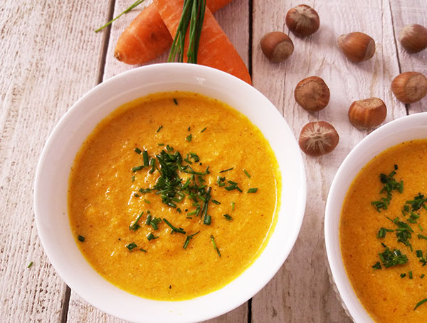 Five Minute Hazelnut and Carrot Soup : Healthy carrot, hazelnut and apple mix.
