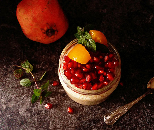 Armenian Overnight Oats with Pomegranate and Apricot : five stars breakfast !