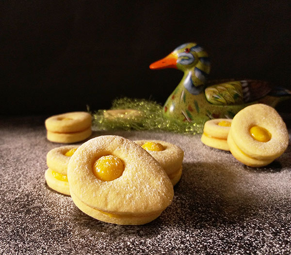Lemony Sandwich Cookies : sunny and lemony !