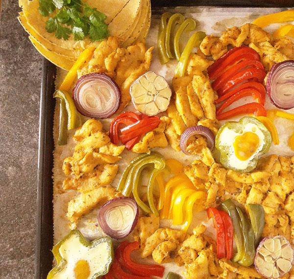Sheet Pan Chicken Fajitas : give this version fajitas a go !
