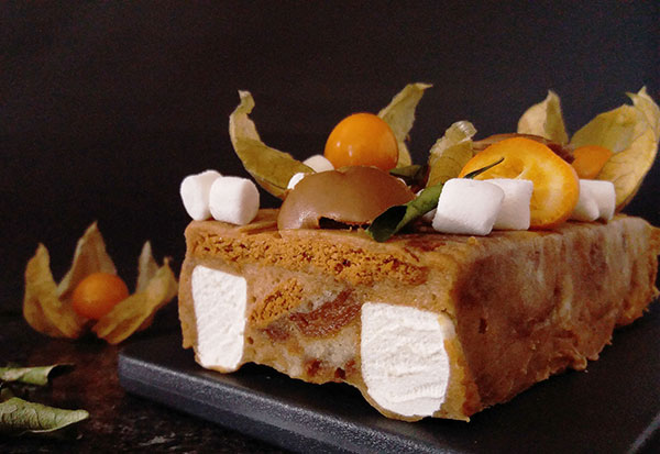 Biscoff S'mores Eggnog No Bake Cake : no bake, lazy cake.