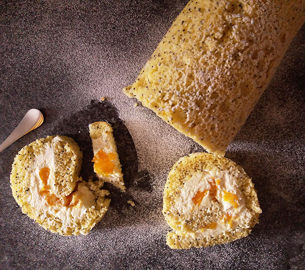 Mandarin and Poppy Seeds Cake Roll : refreshing, light, , low sugar dessert, filled with flavours of citruses.