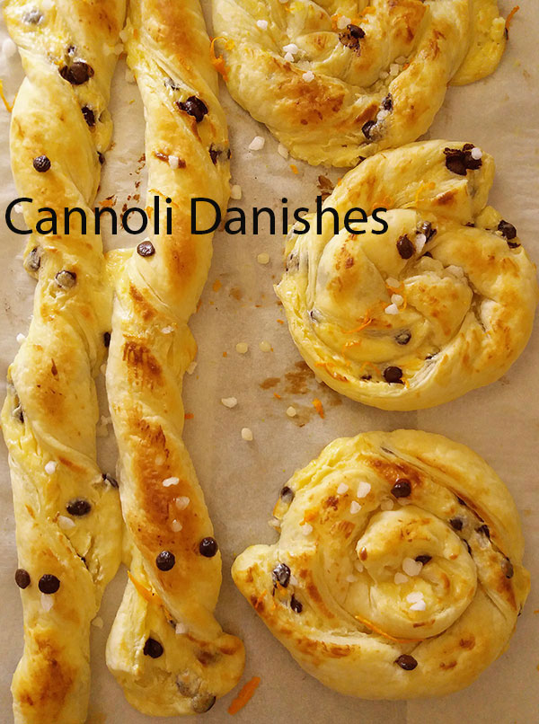Cannoli Danishes : amazing cannoli ingredients used to fill puff pastry for breakfast, Italian way !